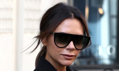 Victoria Beckham — для тех, кто ценит стиль с перчинкой.